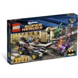 6864 The Batmobile and the Two-Face Chase