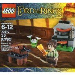 30210 Фродо на кухне