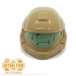Космический шлем с зеленым визором
